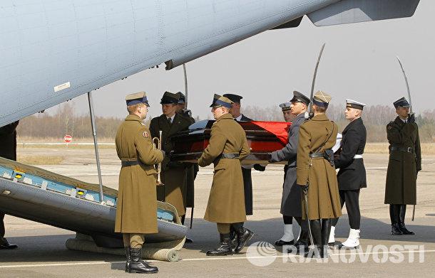 Церемония прощания с президентом Польши в Смоленске