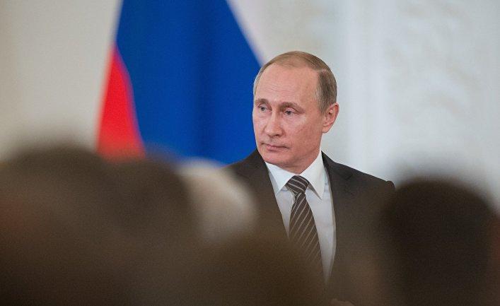 Президент РФ В. Путин вручил госнаграды военным, участвовавшим в антитеррористической операции в Сирии