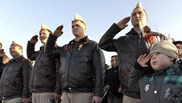 Пилоты ВКС РФ на торжественной церемонии в честь их возвращения из Сирии