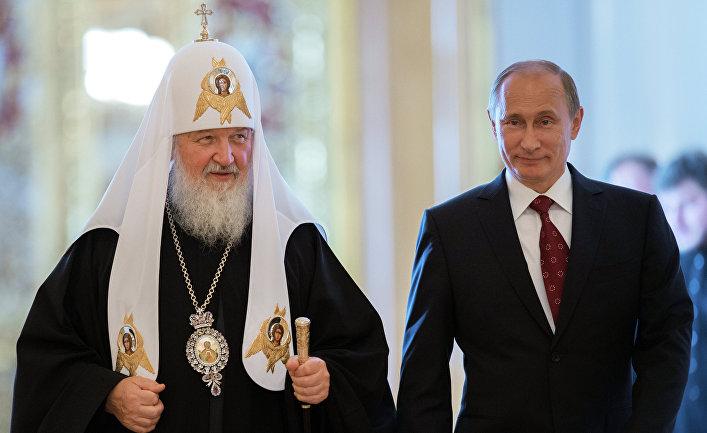 Президент России Владимир Путин и патриарх Московский и всея Руси Кирилл во время встречи в Большом Кремлевском Дворце