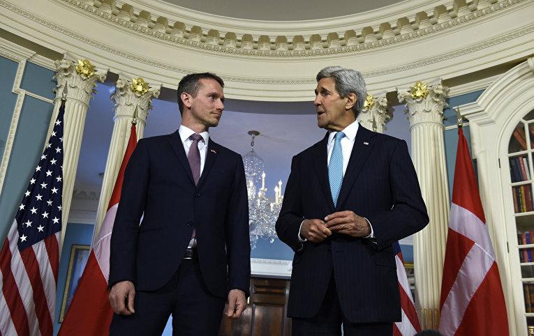 Государственный секретарь США Джон Керри и министр иностранных дел Дании Кристиан Йенсен