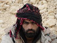 Боец сирийской армии на подступах к Пальмире