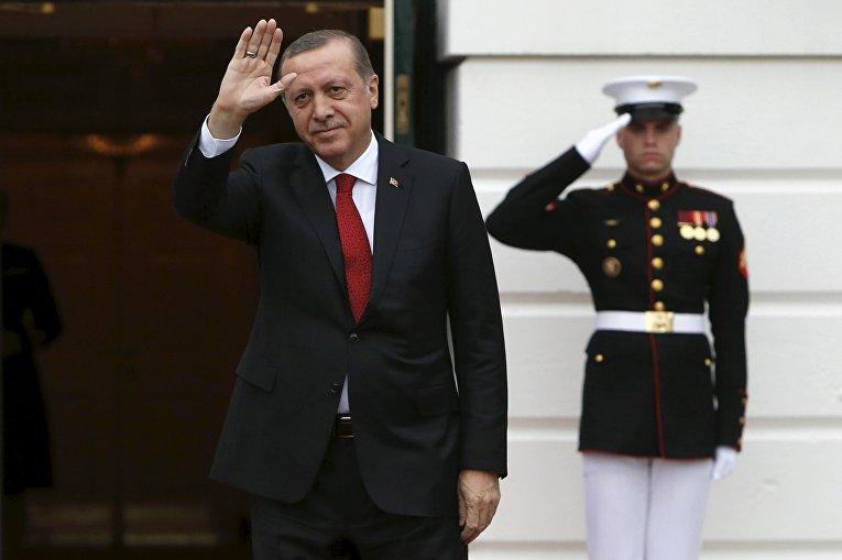 Президент Турции Реджеп Тайип Эрдоган прибыл на деловой обед в Белый дом в рамках саммита по ядерной безопасности в Вашингтоне