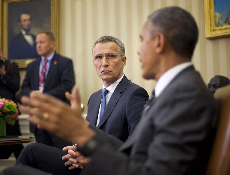 Генеральный секретарь НАТО Йенс Столтенберг и президент США Барак Обама во время встречи в Белом доме