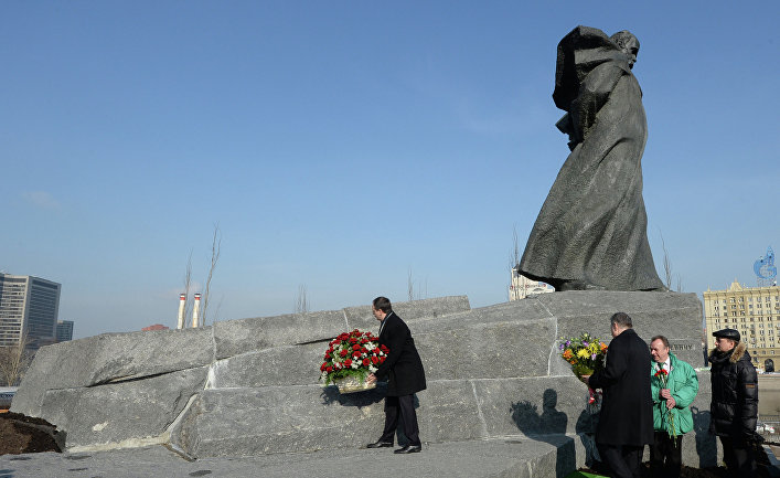 Открытие памятника Т.Г.Шевченко после реставрации
