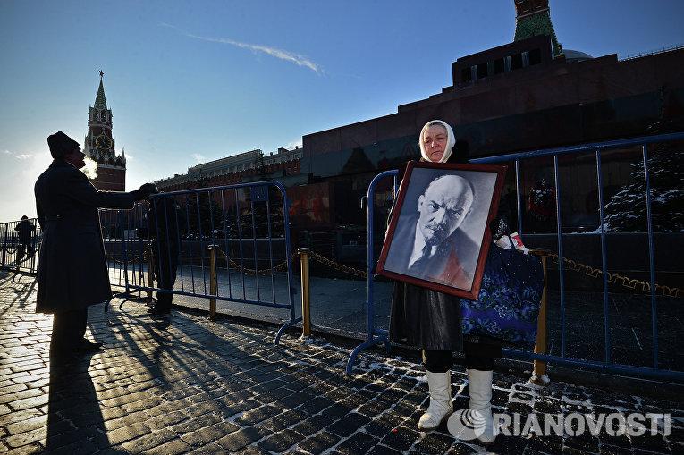 Возложение цветов к Мавзолею В.И.Ленина