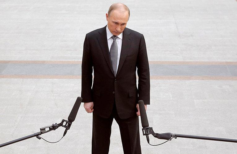 Владимир Путин отвечает на вопросы журналистов