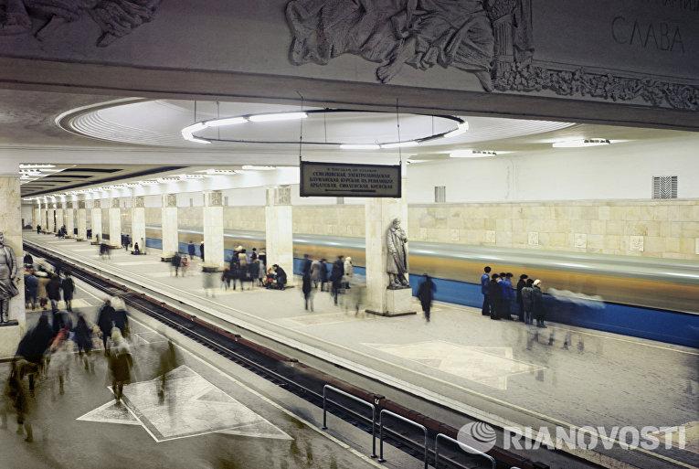 """Станция метро """"Партизанская"""""""