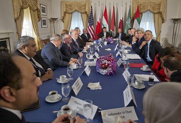 Барак Обама, Джон Керри на встрече с представителями Бахрейна, Катара, Саудовской Аравии, Иордании и ОАЭ в Нью-Йорке