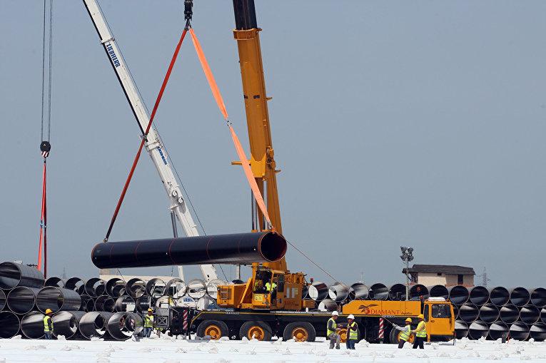 Трубы для строительства Транс-Адриатического газопровода в Дуррес