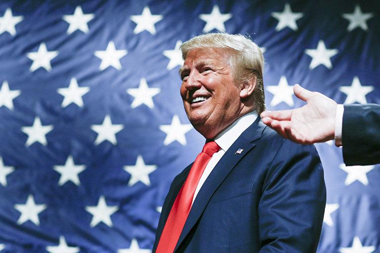 Кандидат в президенты США от Республиканской партии Дональд Трамп выступает перед своими сторонниками