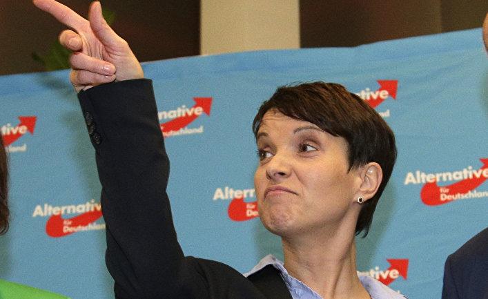 Глава партии «Альтернатива для Германии» Фрауке Петри после объявления итогов выборов в Берлине