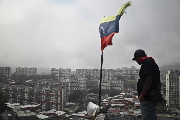 Житель коммуны «Сальвадор Альенде» в Каракасе
