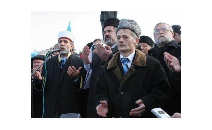 Глава меджлиса крымско-татарского народа Мустафа Джемилев