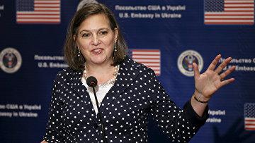 Помощник госсекретаря США Виктория Нуланд на пресс-конференции в Киеве