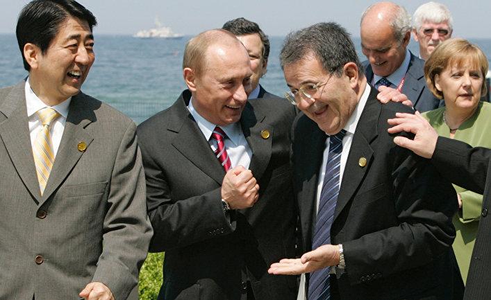 Премьер-министр Японии Синдзо Абэ, президент России Владимир Путин, премьер-министр Италии Романо Проди и федеральный канцлер Германии Ангела Меркель