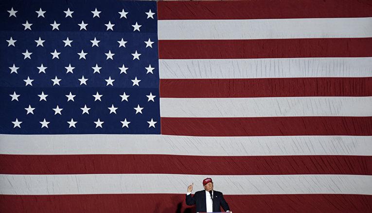 Кандидат в президенты США от Республиканской партии Дональд Трамп выступает во Флориде