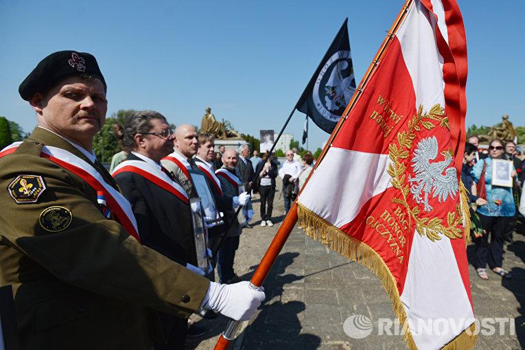 Акция «Бессмертный полк» в Варшаве