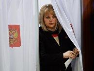 Элла Памфилова голосует на первом заседании нового состава ЦИК
