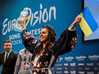 Украинская певица Джамала празднует победу в международном конкурсе «Евровидение»