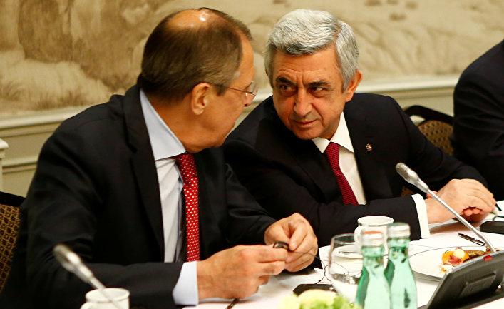 Министр иностранных дел России Сергей Лавров и президент Армении Серж Саргсян на встрече в Вене