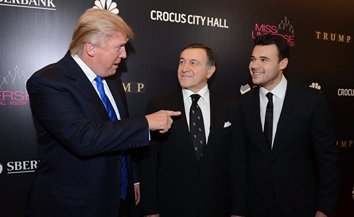 Американский миллиардер Дональд Трамп, президент Crocus Group Арас Агаларов и вице-президент Crocus Group Эмин Агаларов