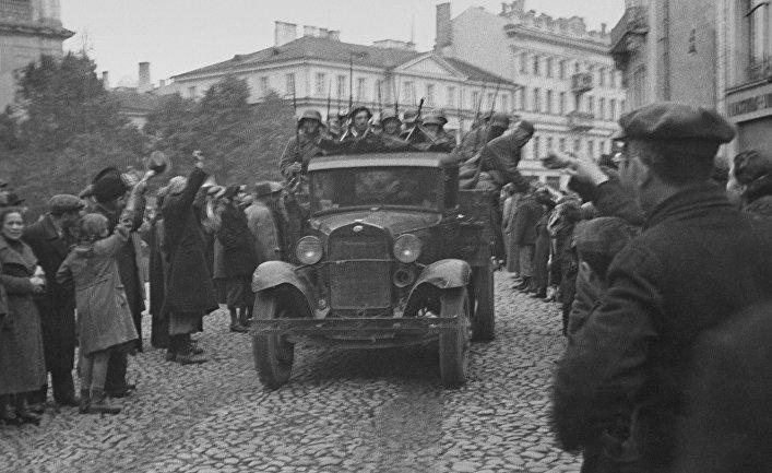 Вступление в город Вильно частей Советской Армии