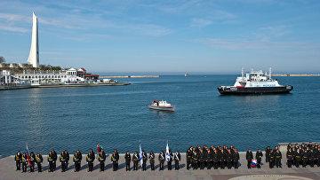 Военнослужащие ЧФ России на торжественном построении