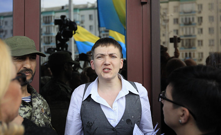 Надежда Савченко отвечает на вопросы журналистов