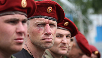 Бойцы отделов специального назначения ФСИН России во время испытаний на право ношения «крапового берета» на базе УФСИН по республике Мордовия
