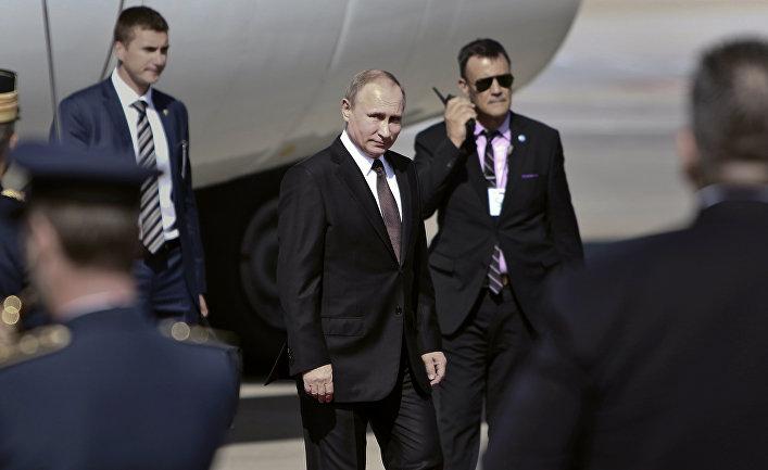 Президент России Владимир Путин в аэропорту Афин