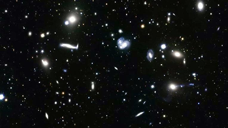 Молодое скопление галактик Abell 2151 в созвездии Геркулеса