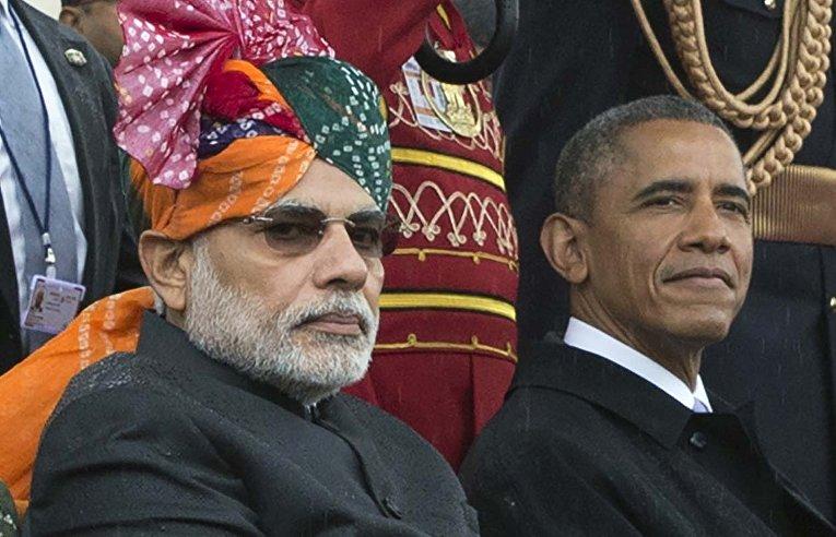 Президент США Барак Обама и премьер-министр Индии Нарендра Моди во время военного парада в Дели