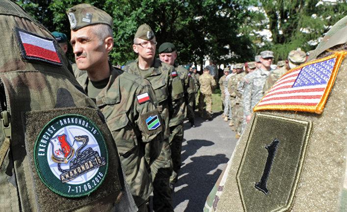 Солдаты польской армии и армии США на церемонии открытия военных учений «Анаконда-16»