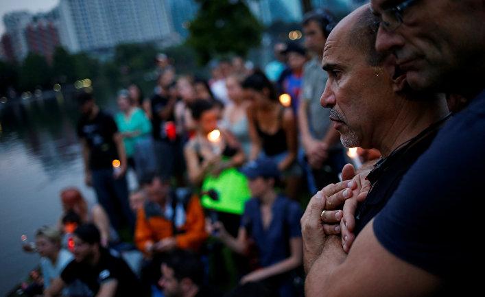Церемония, посвященная памяти погибших в Орландо