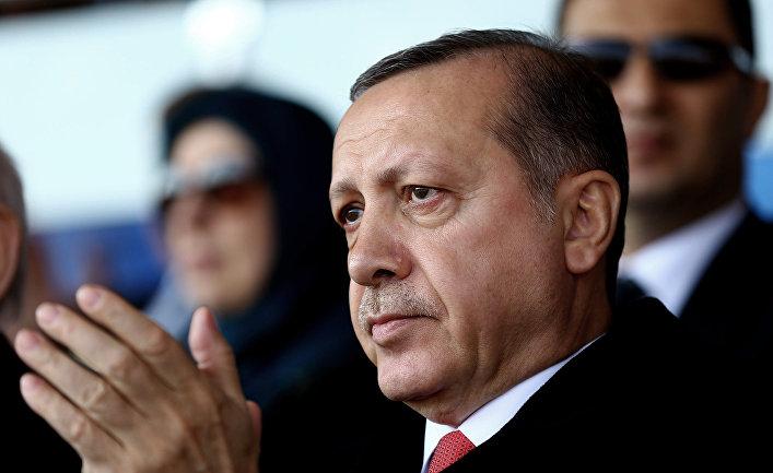 Президент Турции Реджеп Тайип Эрдоган на церемонии в честь 101-й годовщины битвы при Чанаккале
