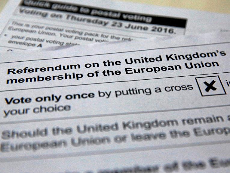 Бланк голосования на референдуме о выходе Великобритании из ЕС, который состоится 23 июня