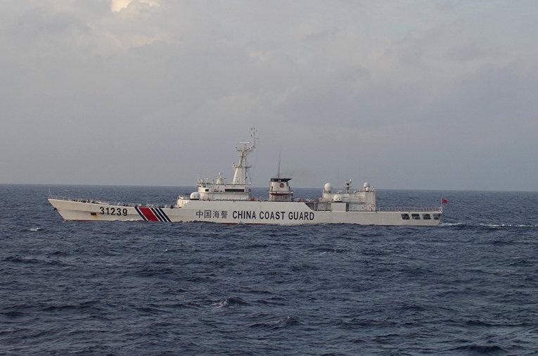 Корабль береговой охраны Китая у островов Сенкаку