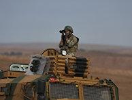 Турецкий солдат на турецко-сирийский границе