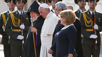 Папа Римский Франциск, верховный Патриарх и Католикос всех армян Гарегин II и президент Армении Серж Саргсян