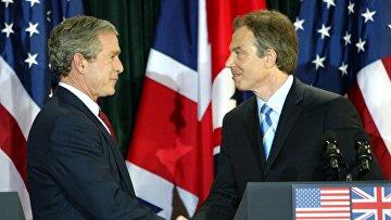 Президент США Джордж Буш на встрече премьер-министром Великобритании Тони Блэром в Белфасте