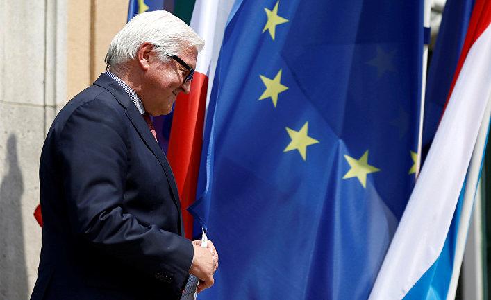 Министр иностранных дел Германии Франк-Вальтер Штайнмайер в Берлине