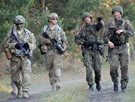 Солдаты польской армии и армии США во время учений НАТО «Анаконда-2016»