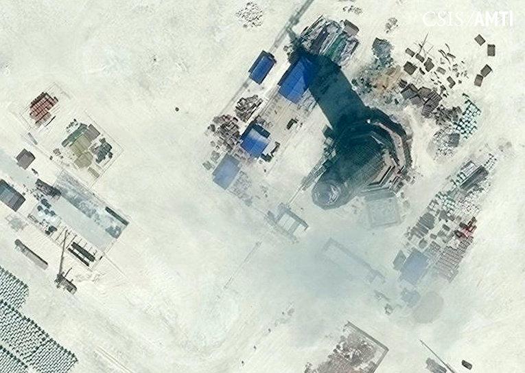 Радиолокационная башня на архипелаге Спратли в Южно-Китайском море