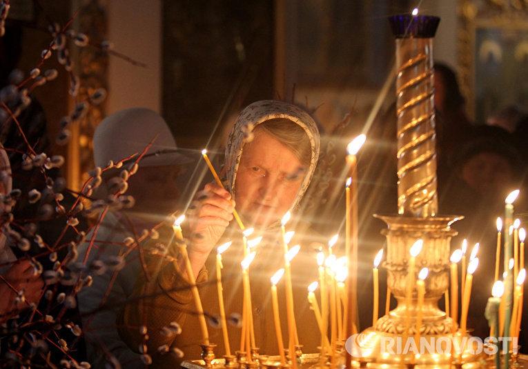 Празднование Вербного воскресенья в регионах России
