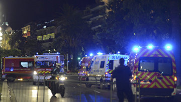 В Ницце террорист на грузовом автомобиле въехал в толпу людей