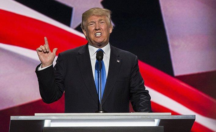 Кандидат в президенты США Дональд Трамп выступает на съезде Республиканской партии США в Кливленде