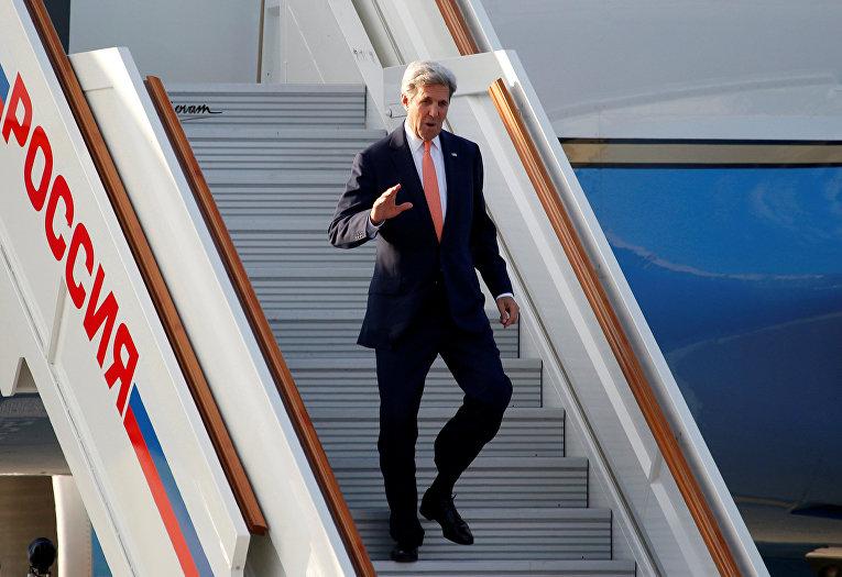 Госсекретарь США Джон Керри прибыл в Москву