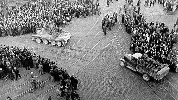 Советские войска вступают в Ригу