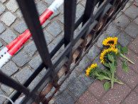 Цветы на месте взрыва в городе Ансбах